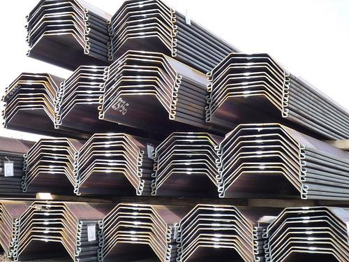 Sheet pile depot, Larssen VL virgin material  S 355 GP and S 270 GP, single planks