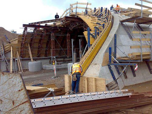 Bauvorhaben A 4, Brückenbauwerk, Träger- Bohlwand- Verbau, Lieferung von HEB- Profilen, Gurtung mit Doppel- U- Profilen